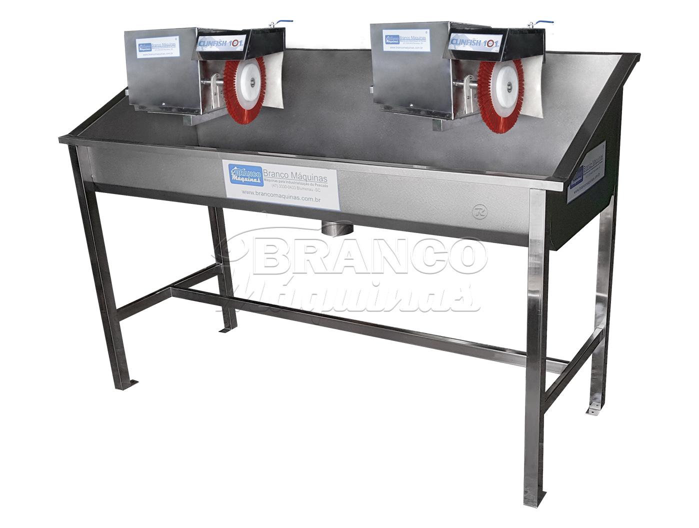 Cocho e Máquinas de Escovas Rotativas Clinfish 101